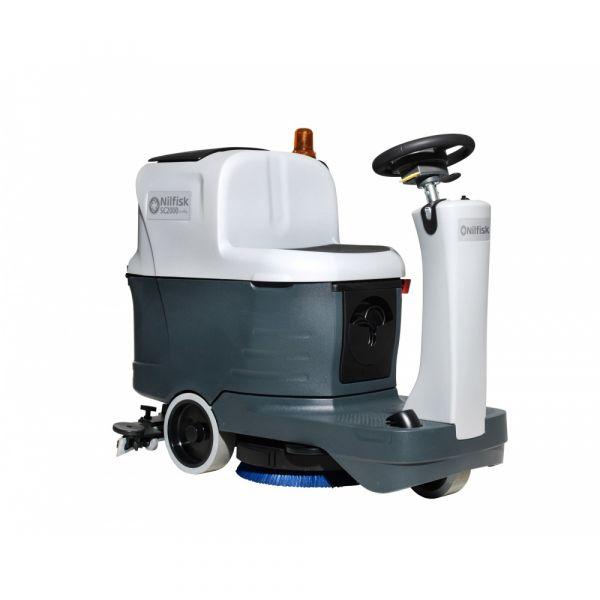 Nilfisk SC2000 podlahový mycí stroj se sedící obsluhou